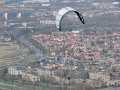 Remote-controlled steering of the TU Delft kite high above Valkenburg (Photo: Max Dereta)